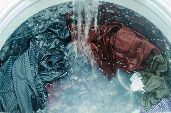 washing t-shirts